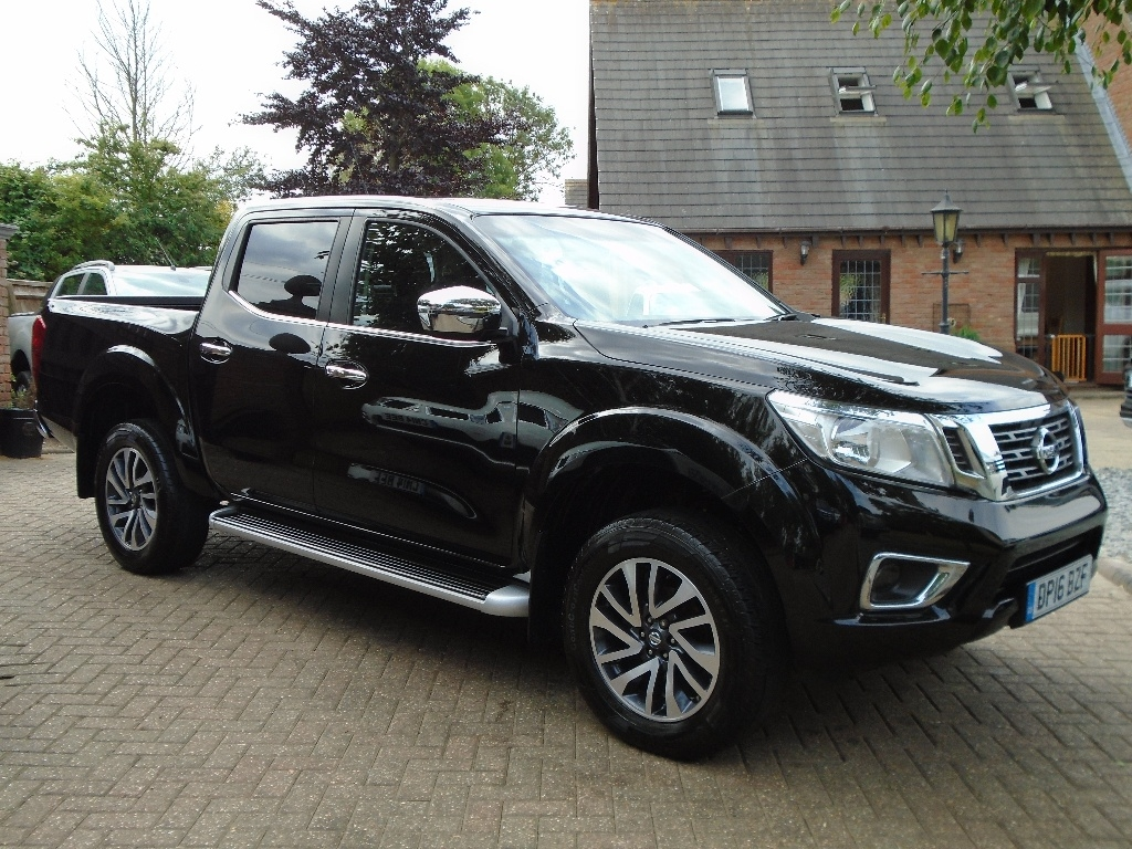 View our 2016 16 NISSAN NP300 NAVARA 2.3 dCi N-Connecta Double Cab Pickup 4WD 4dr