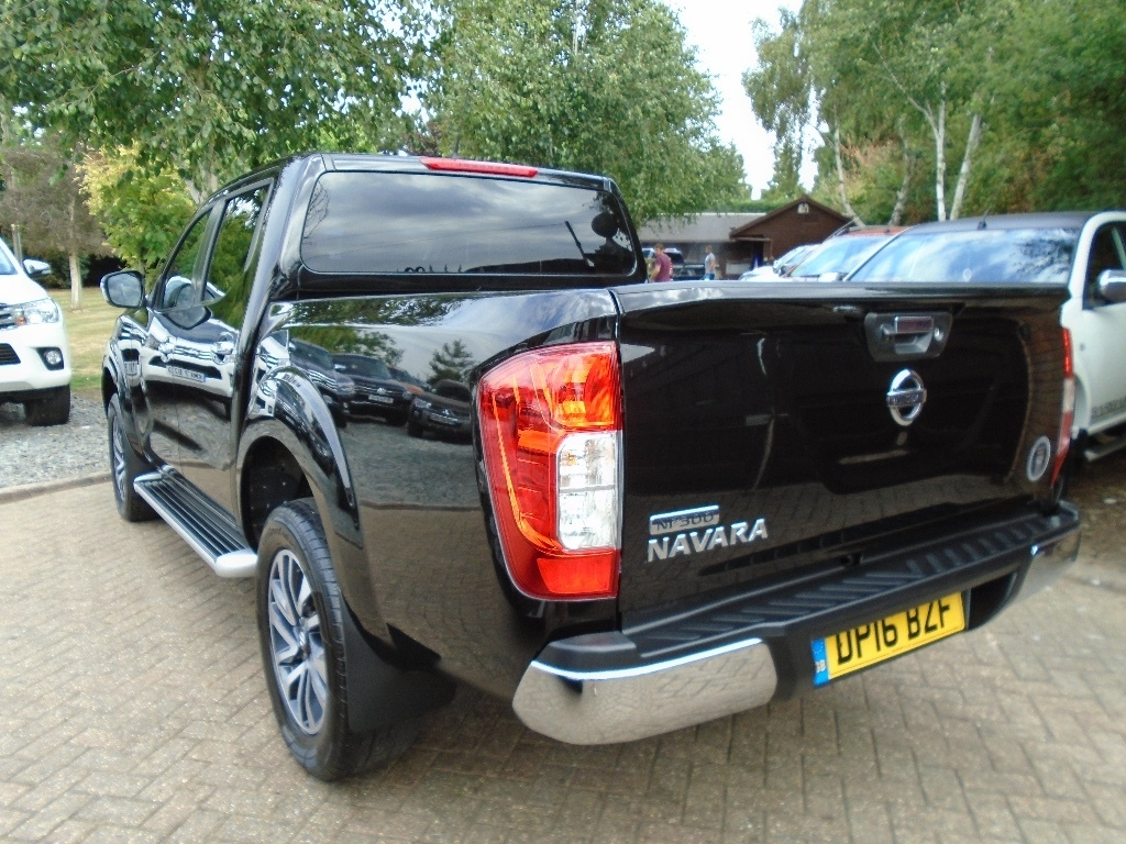 NISSAN NP300 NAVARA at Click Motors