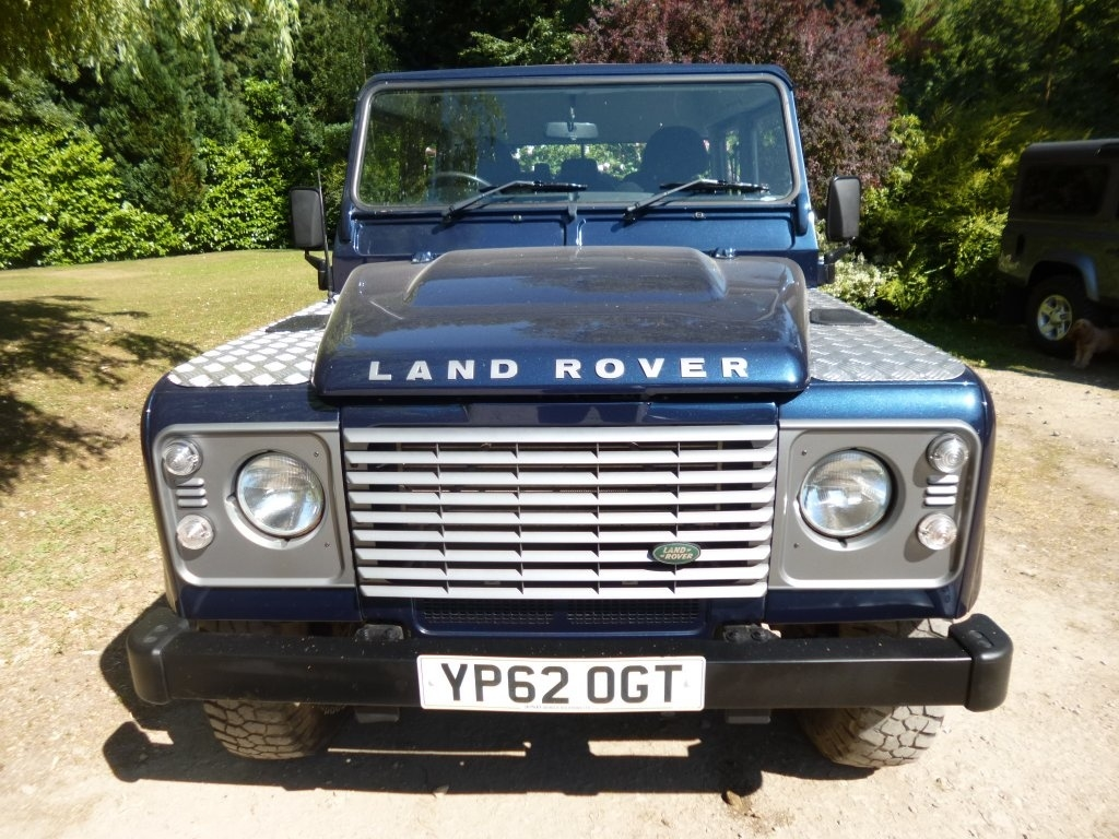 LAND ROVER DEFENDER at Click Motors