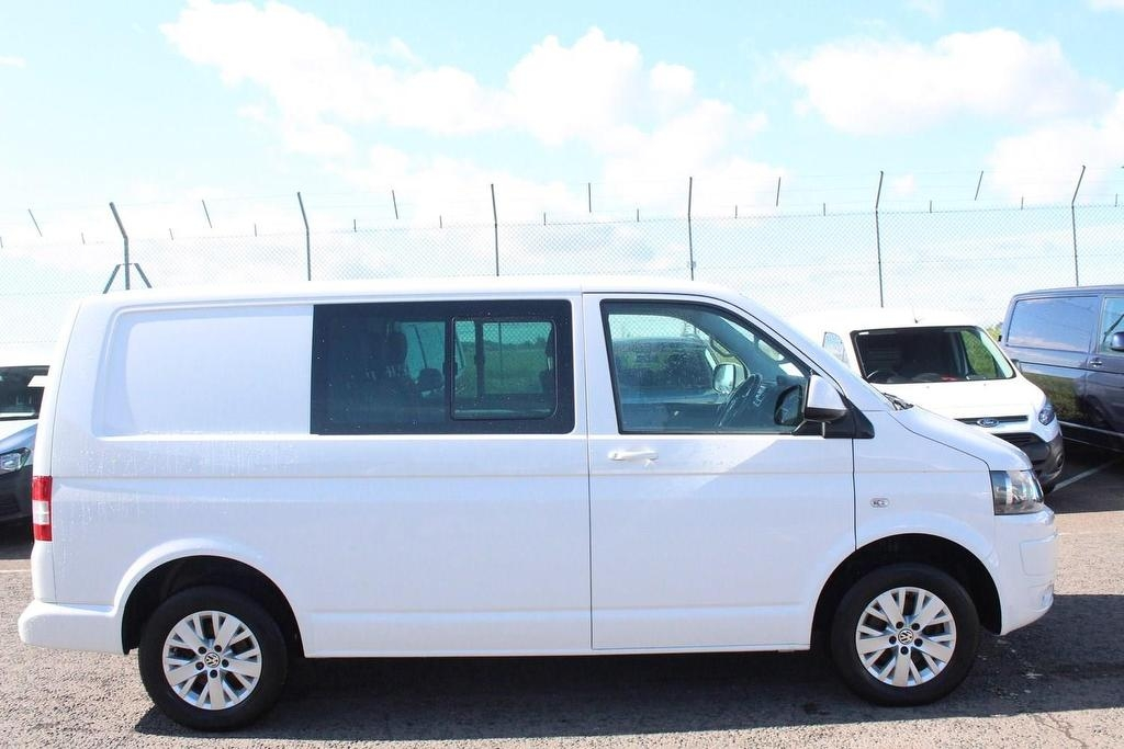 VOLKSWAGEN TRANSPORTER at Click Motors