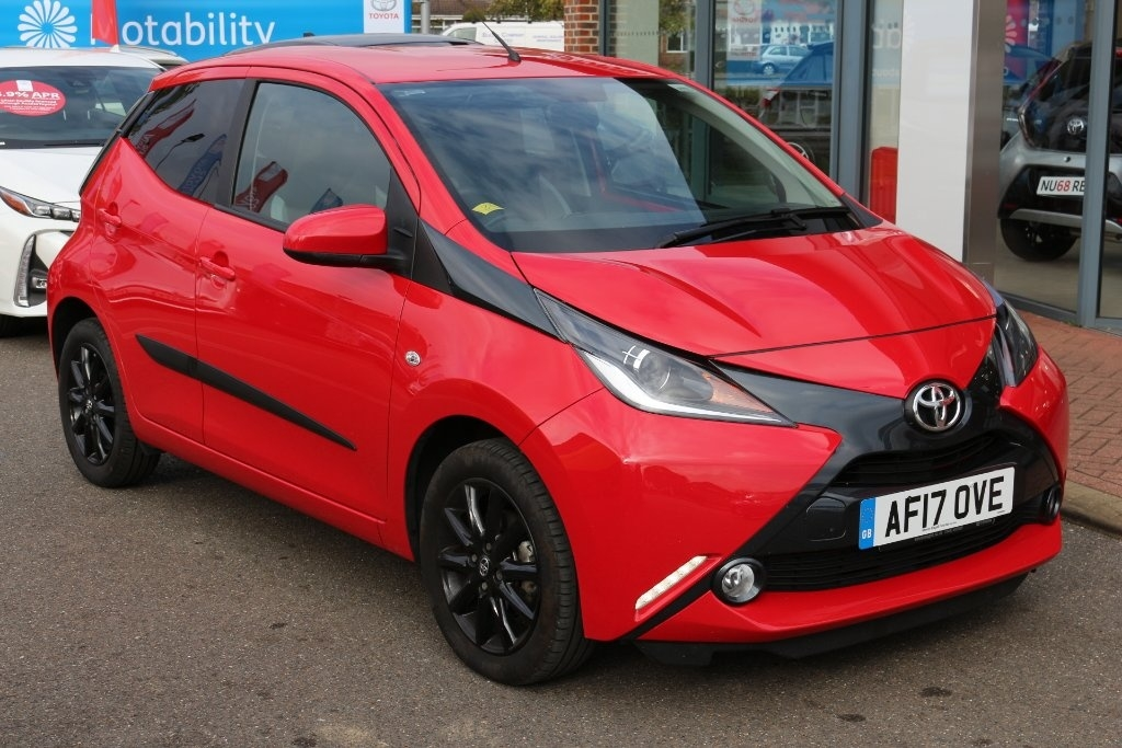 View our 2017 17 TOYOTA AYGO Toyota Aygo 1.0 VVT-i x-style x-shift 5dr