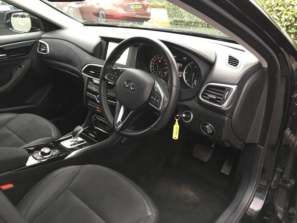 INFINITI Q30 at Click Motors