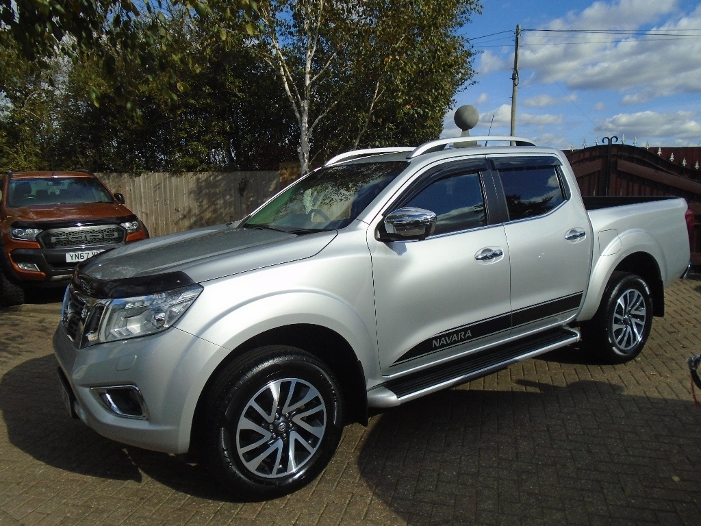 View our 2017 17 NISSAN NAVARA 2.3 dCi Tekna Double Cab Pickup 4WD 4dr (EU6)