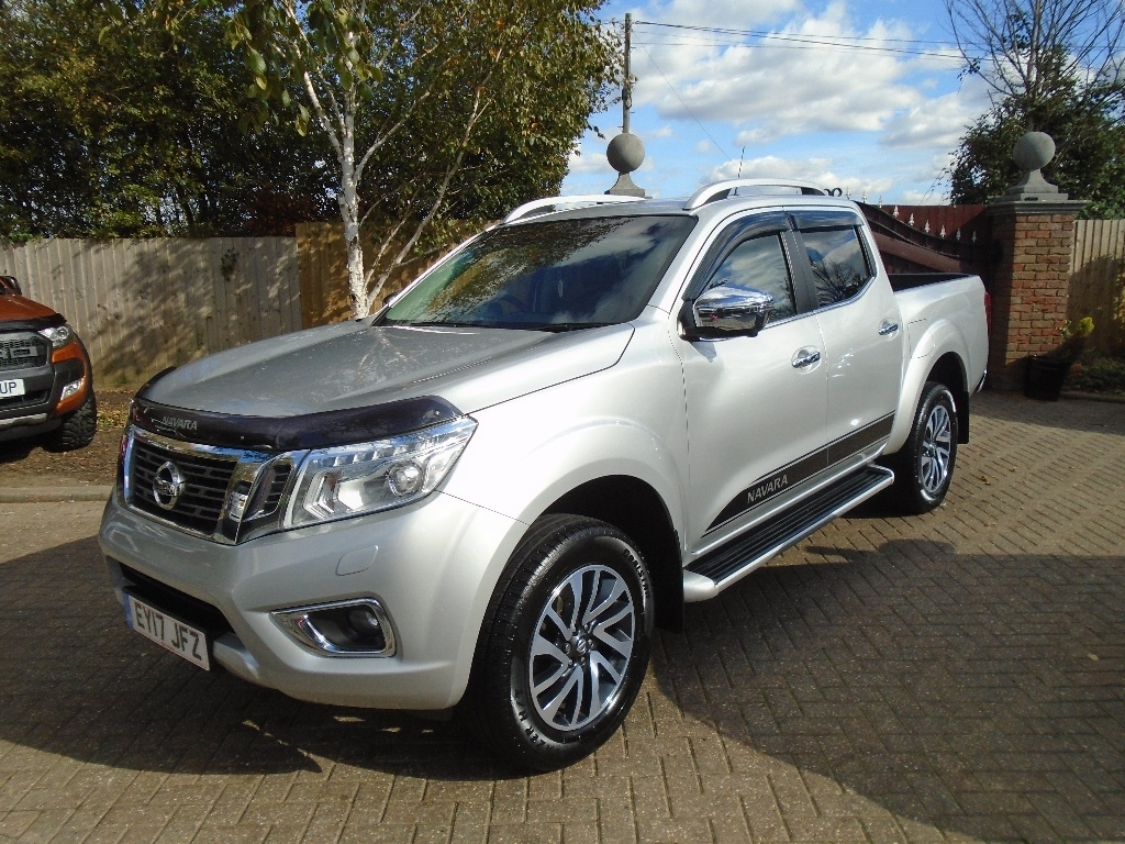 NISSAN NAVARA at Click Motors