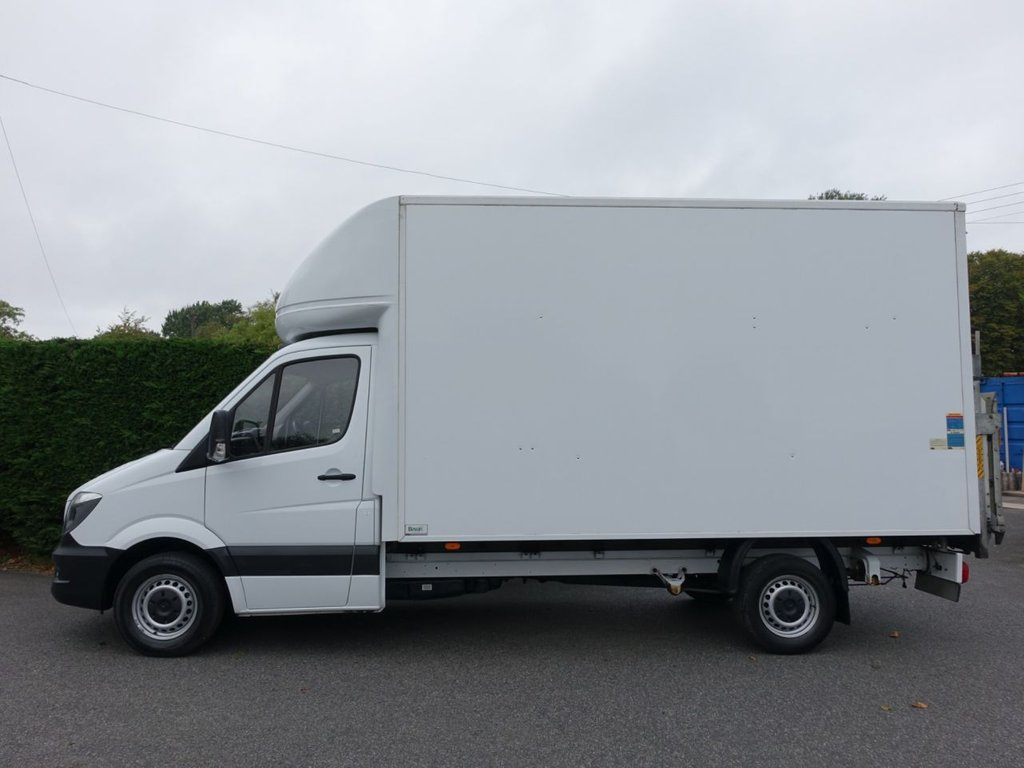 b2667ba32b ... USED 2015 65 MERCEDES-BENZ SPRINTER EXTRA LWB LUTON WITH TAILIFT 313  CDI 130 BHP ...