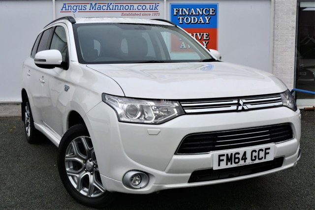 2015 64 MITSUBISHI OUTLANDER 2.0 PHEV GX 4H 4x4 AUTO 5dr Family SUV with Zero Road Tax Stunning in White