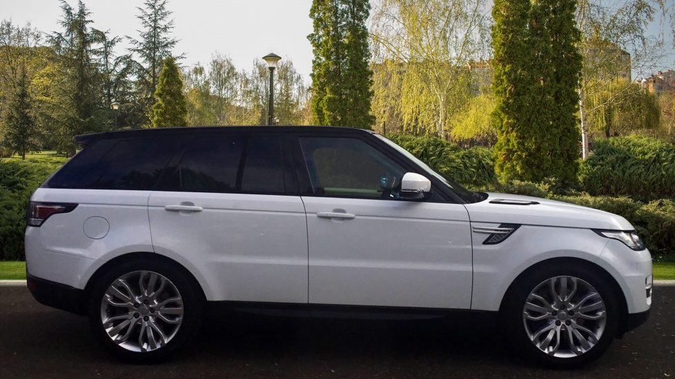 LAND ROVER RANGE ROVER SPORT at Click Motors
