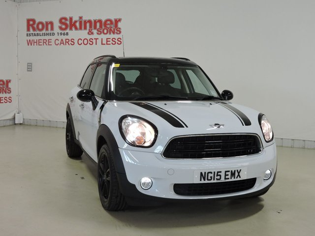 View our 2015 15 MINI COUNTRYMAN 1.6 COOPER 5d 122 BHP with CHILI Pack + Rear Privacy