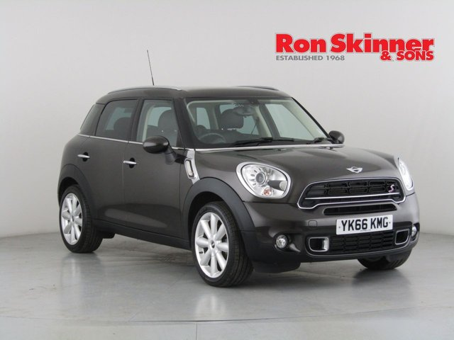 View our 2016 66 MINI COUNTRYMAN 2.0 COOPER SD 5d 141 BHP with CHILI Pack + Media Pack + Leather + Rear Privacy + More
