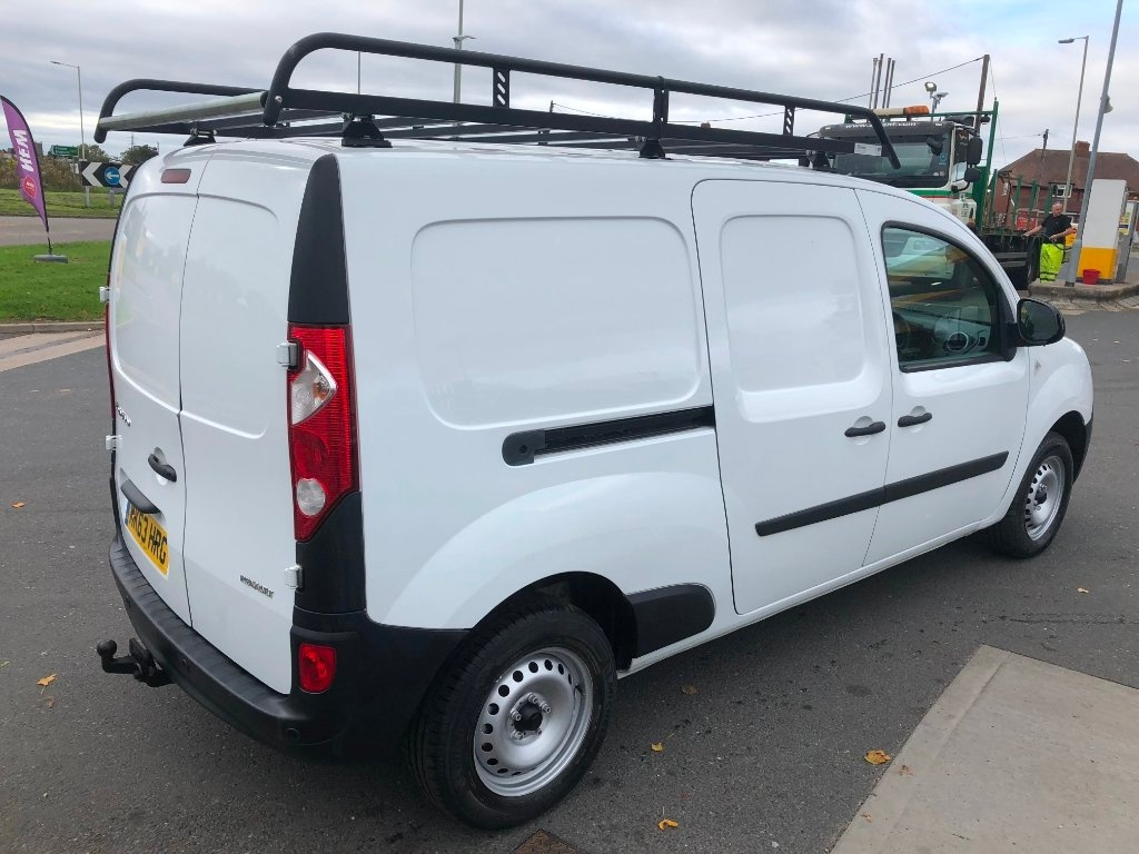 RENAULT KANGOO MAXI at Click Motors