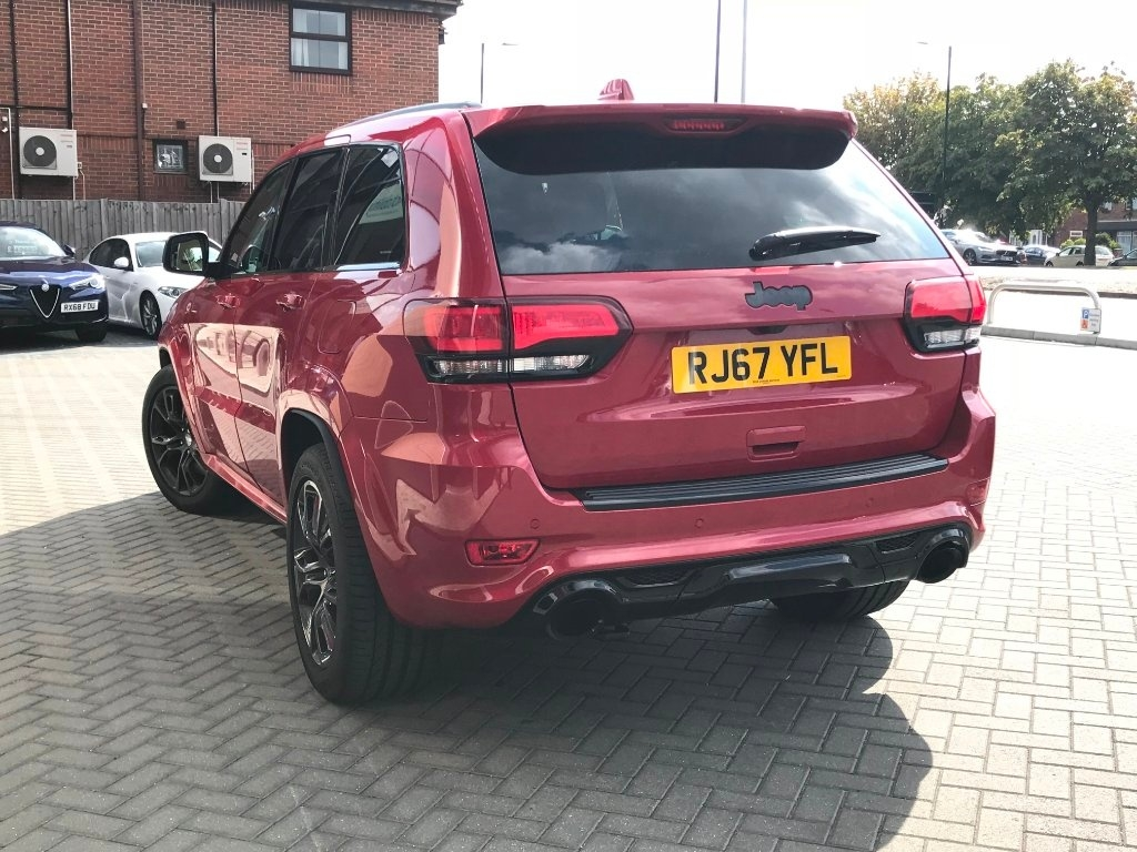 JEEP GRAND CHEROKEE at Click Motors