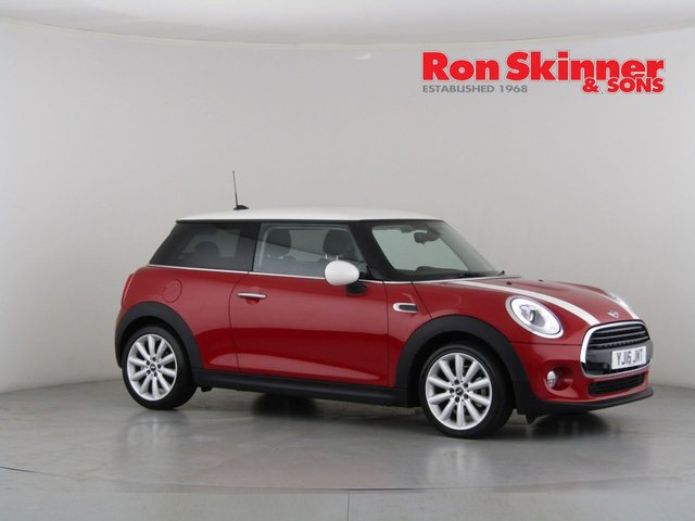 View our 2016 16 MINI HATCH COOPER 1.5 COOPER D 3d AUTO 114 BHP with CHILI Pack + 17in Alloys + Radio Visual Boost + Rear Privacy