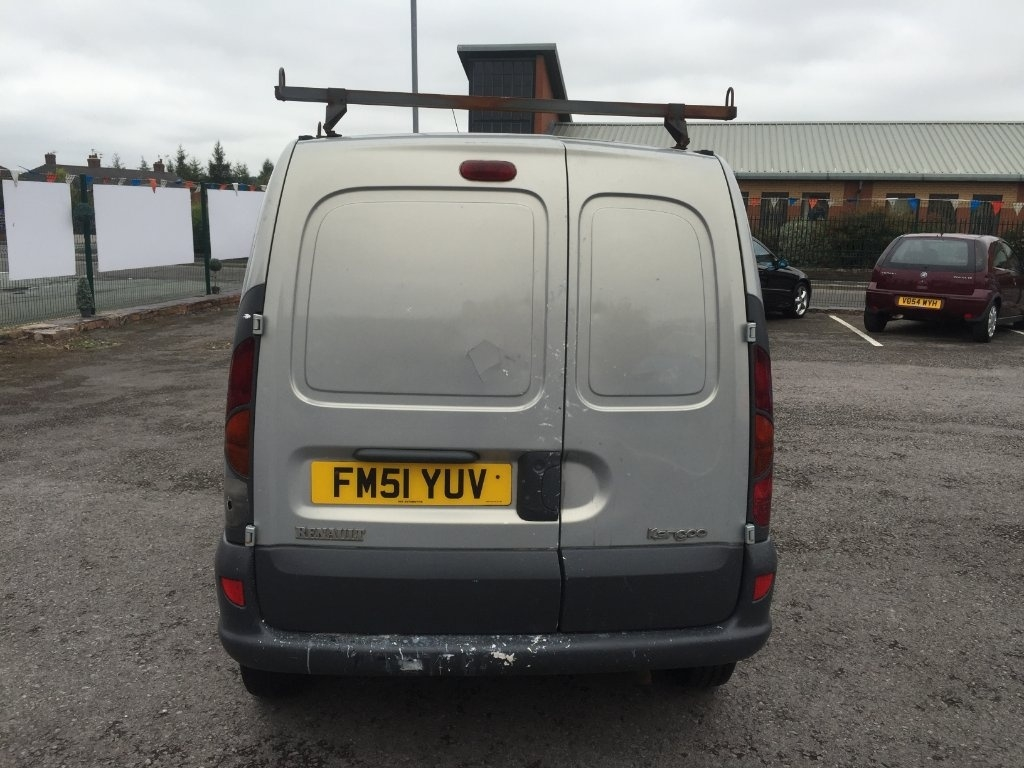 RENAULT KANGOO at Click Motors