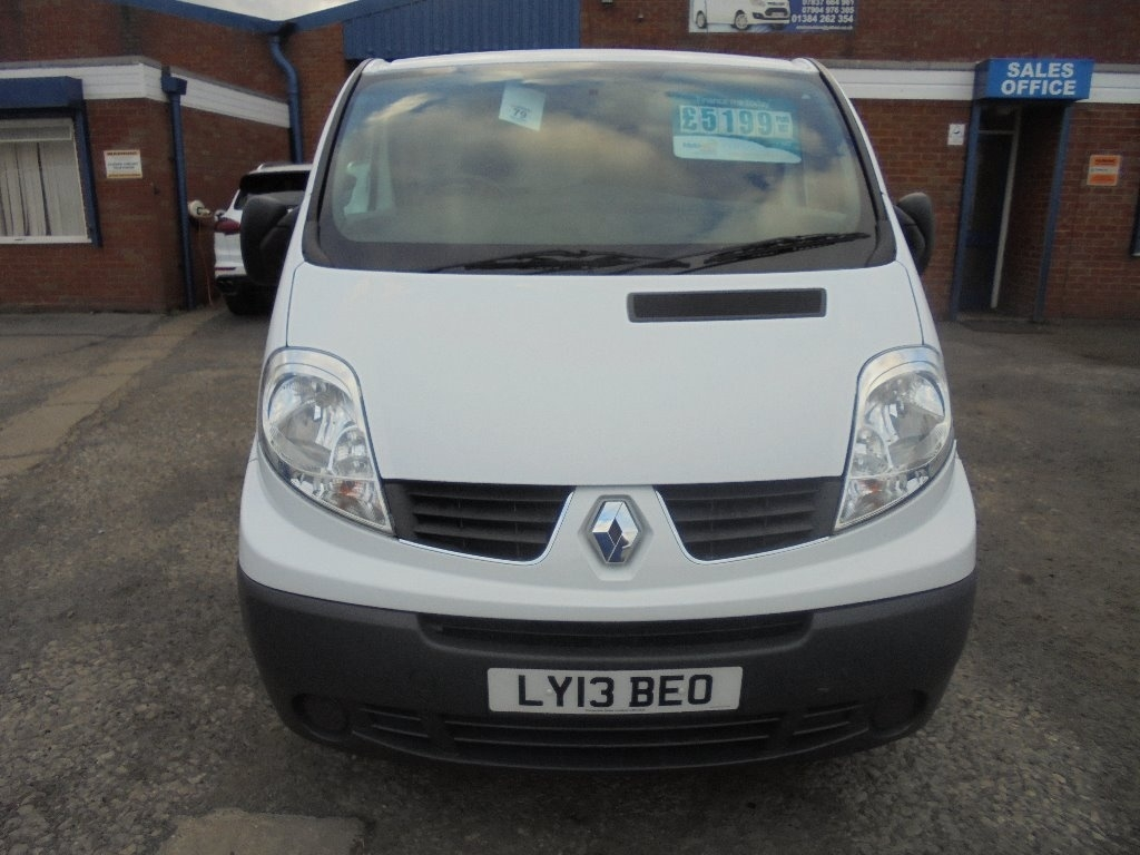 RENAULT TRAFIC at Click Motors
