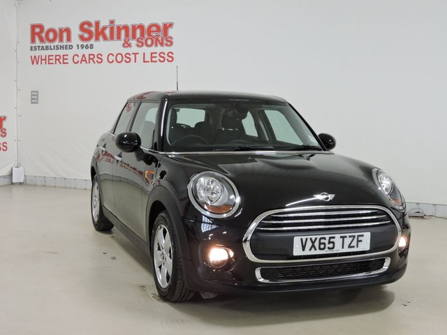 View our 2015 65 MINI HATCH ONE 1.2 ONE 5d 101 BHP with Pepper Pack + Visual Boost + Sport Multi Function Steering + Chrome Line Interior + Cruise Control