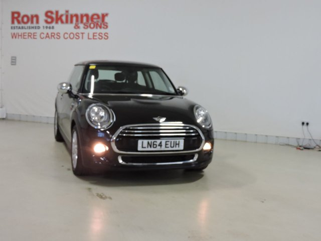 View our 2014 64 MINI HATCH COOPER 1.5 COOPER 3d 134 BHP with Pepper Pack + Chrome Line Exterior