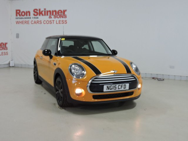 View our 2015 15 MINI HATCH COOPER 1.5 COOPER 3d 134 BHP with CHILI Pack + Privacy Glass + Bonnet Stripes in Black