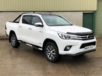 USED 2017 17 TOYOTA HI-LUX 2.4 INVINCIBLE 4WD D-4D DCB 1d 148 BHP REVERSE CAMERA, ROLL BAR, LINER, BONNET GUARD, BLACK VINYL ROOF WRAP,