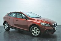 USED 2014 64 VOLVO V40 1.6 D2 CROSS COUNTRY SE 5d 113 BHP FULL VOLVO HISTORY + BLUETOOTH TELEPHONE AND MUSIC + CRUISE CONTROL