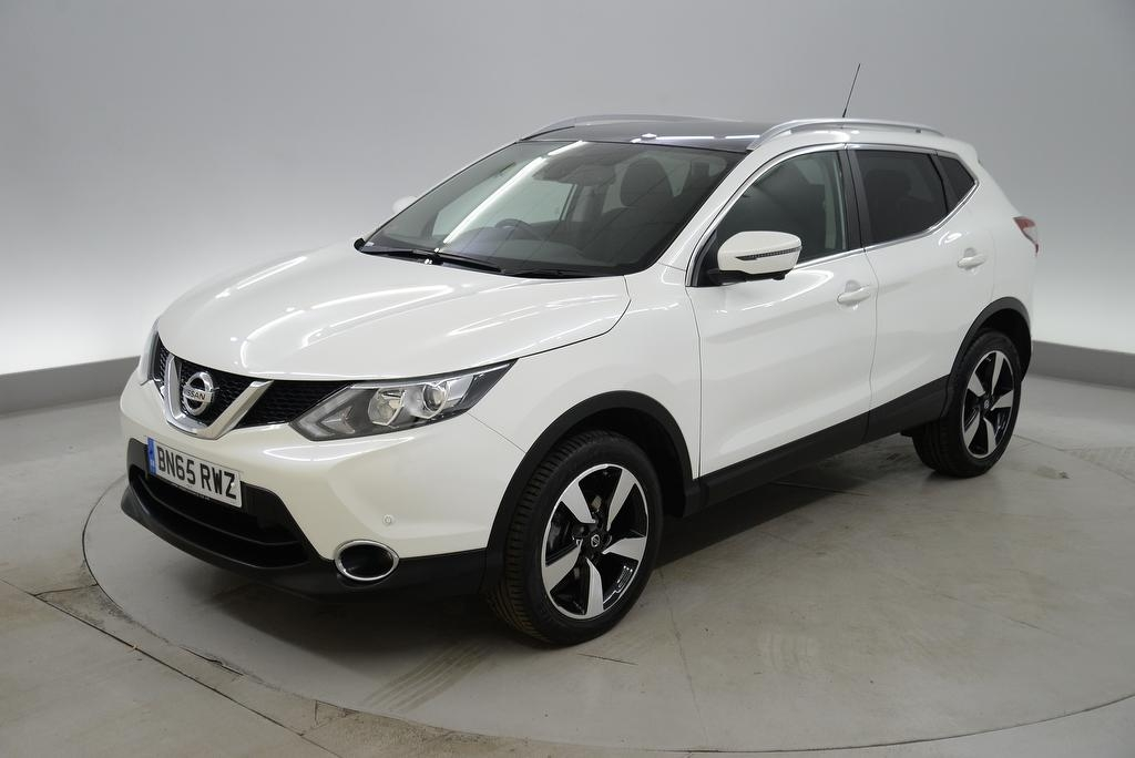 View our 2015 65 NISSAN QASHQAI 1.5 dCi N-Tec+ 5dr - LANE DEPARTURE - REVERSE CAM - DAB/CD/AUX/USB/SD