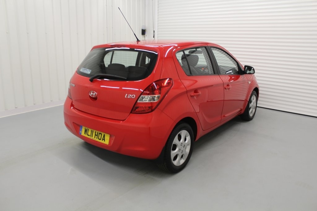 HYUNDAI I20 at Click Motors