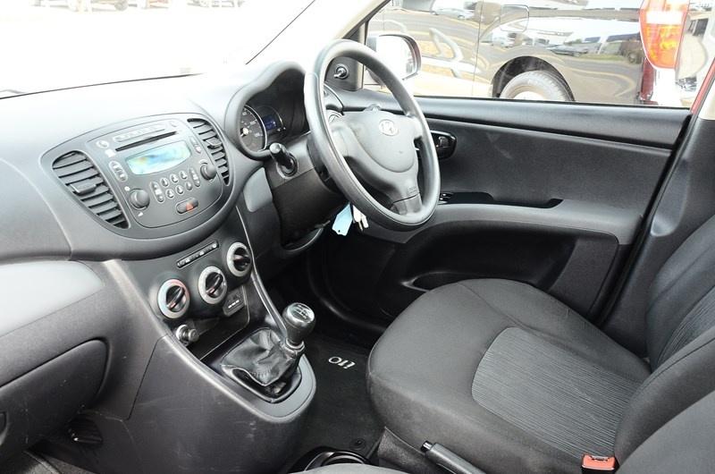 HYUNDAI I10 at Click Motors