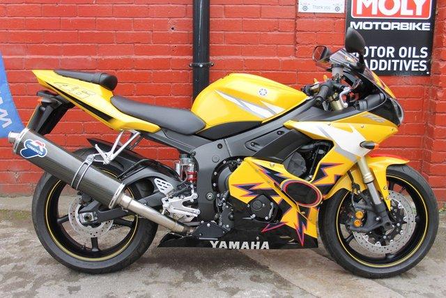 2007 57 YAMAHA YZF R6 Rossi Replica