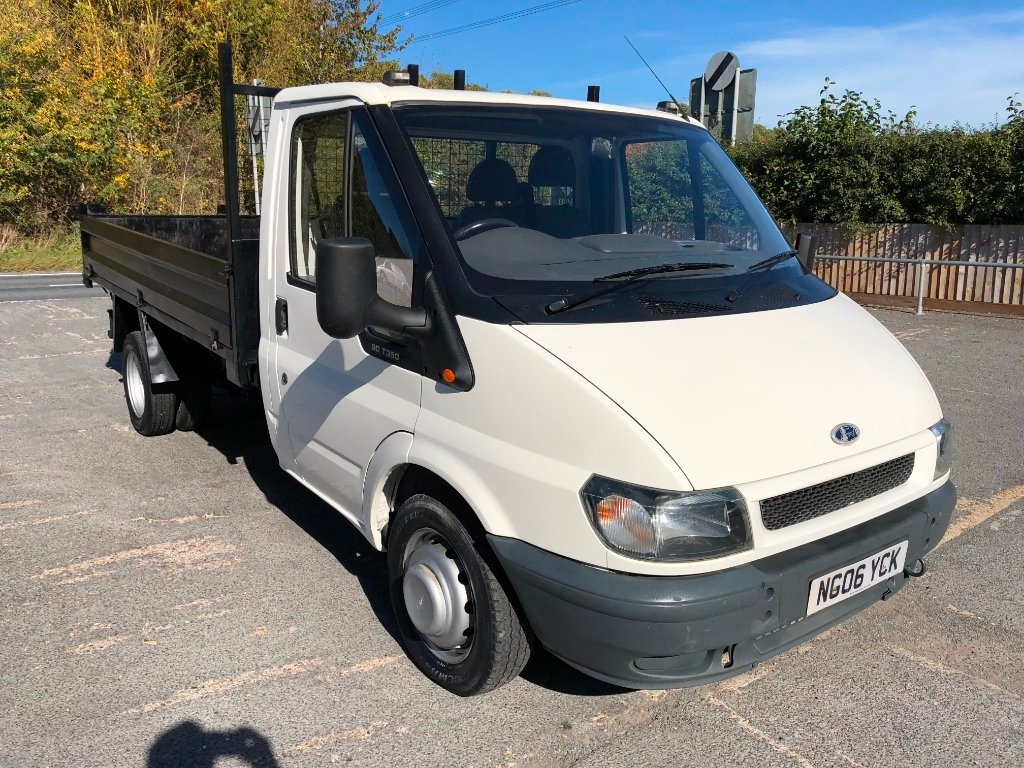 View our 2006 06 FORD TRANSIT 2.4 TD 350 M Tipper 2dr (DRW, MWB)