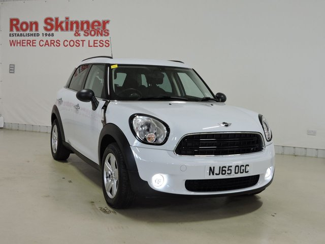 View our 2015 65 MINI COUNTRYMAN 1.6 ONE 5d 98 BHP with Pepper Pack + Rear Privacy + Flat Load Floor
