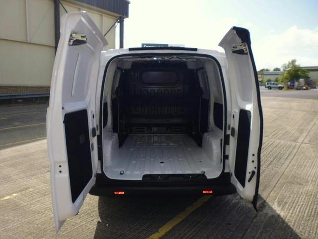 NISSAN NV200 at Click Motors