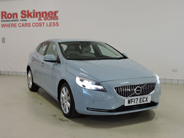 View our 2017 17 VOLVO V40 2.0 D3 INSCRIPTION 5d AUTO 148 BHP