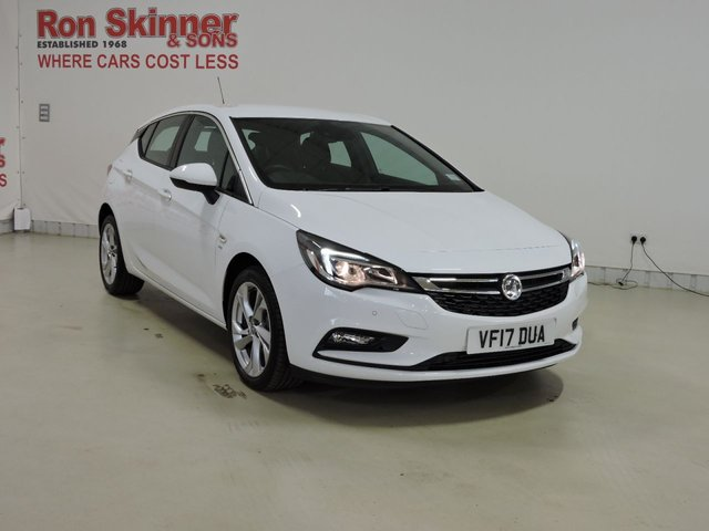 View our 2017 17 VAUXHALL ASTRA 1.4 SRI S/S 5d AUTO 148 BHP with front/rear parking sensors