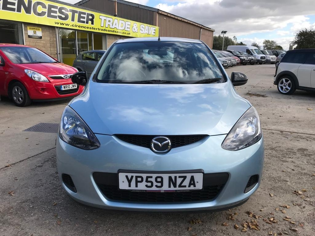 MAZDA 2 at Click Motors