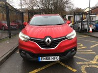 USED 2016 66 RENAULT KADJAR 1.5 DYNAMIQUE S NAV DCI 5d 110 BHP STUNNING METALLIC RED PAINT WORK, HALF BLACK LEATHER CLOTH INTERIOR, 19 INCH BLACK SILVER POLISHED ALLOY WHEELS, CRUISE CONTROL,  FRONT AND REAR PARKING SENSORS, SAT NAV, BLUETOOTH, VERY LOW MILEAGE