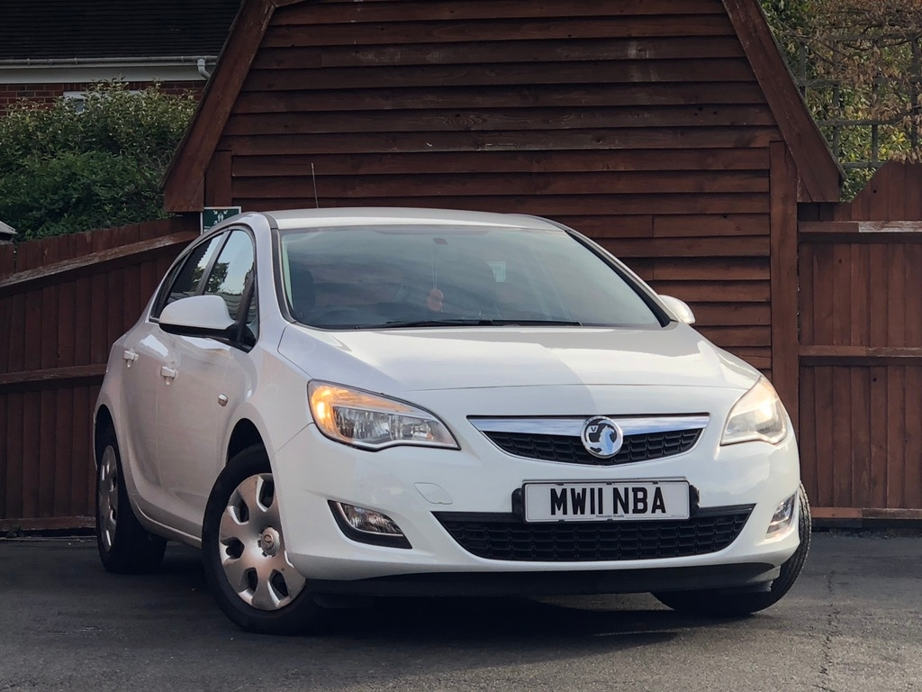 View our 2011 11 VAUXHALL ASTRA 1.4 i VVT 16v Exclusiv 5dr