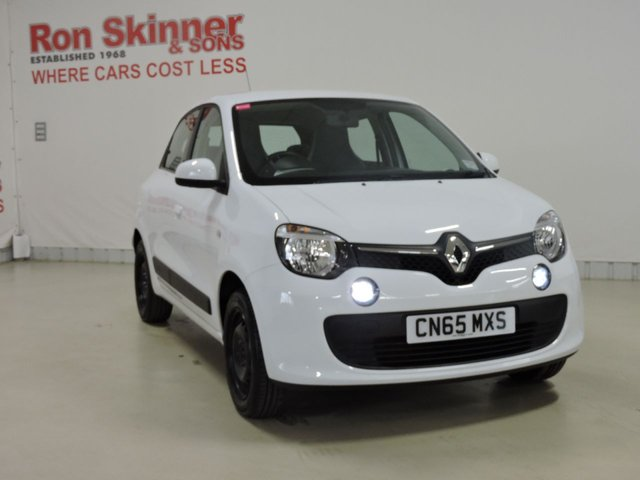 View our 2015 65 RENAULT TWINGO 1.0 PLAY SCE 5d 70 BHP