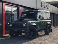 USED 2005 05 LAND ROVER DEFENDER 2.5 90 HARD-TOP TD5 1d 120 BHP *FULLY RESTORED LAND ROVER DEFENDER*NO EXPENSE SPARED*BLACK AND DARK GREEN COLOUR*