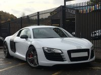 USED 2012 12 AUDI R8 4.2 V8 LIMITED EDITION 2d 424 BHP STUNNING IBIS WHITE, RED BLACK LEATHER, 6.5 INCH DVD SAT NAV, MAGNETIC RIDE, 19 INCH 5 ARM Y DESIGN TITANIUM ALLOYS, CARBON PACK, BANG AND OLUFSEN HIFI, RECENT SERVICE, MASSIVE SPEC, STUNNING