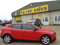 USED 2014 14 VOLVO V40 1.6 D2 CROSS COUNTRY LUX 5d AUTO 113 BHP