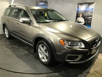 USED 2010 10 VOLVO XC70 2.4 D5 SE LUX AWD 5d AUTO 205 BHP Bluetooth  : Full leather upholstery    :    Heated front seats    :    Electric driver + passenger seats    : Remotely operated tailgate    :    Rear parking sensors    :    Fully stamped service history