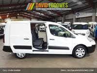 """USED 2015 15 PEUGEOT PARTNER 1.6 HDI CRC 90 BHP L2 LWB 5 SEAT CREW VAN-ONE OWNER-SERVICE HISTORY """"YOU'RE IN SAFE HANDS"""" - AA DEALER PROMISE"""