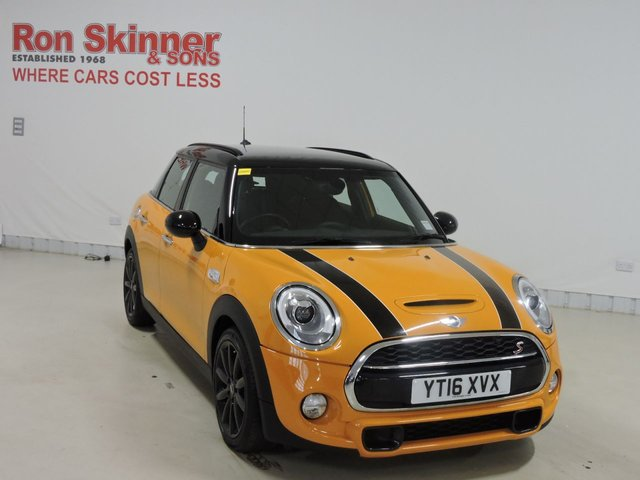 View our 2016 16 MINI HATCH COOPER 2.0 COOPER S 5d 189 BHP with CHILI Pack + Cruise Control + Rear Parking Sensors + Folding Door Mirros