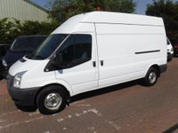 USED 2013 13 FORD TRANSIT 2.2 350 1d 124 BHP GREAT VAN WITH GREAT SERVICE HISTORY BEEN VERY WELL LOOKED AFTER IN GLEAMING WHITE HAS GREAT SPEC WITH A  6 SPEED MANUAL GEARBOX  ELEC WINDOWS ELEC MIRRORS, CRUSE CONTROL, REMOTE CENTRAL LOCKING, BULK HEAD, PLY LINED,  JUST BEEN SERVICED READY TO GO