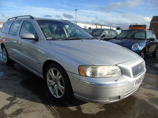 USED 2005 05 VOLVO V70 2.4 D5 SE TONS OF SERVICE DRIVES A1
