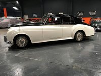 USED 1956 ROLLS-ROYCE SILVER CLOUD 4.9 1d  1955 ROLLS ROYCE SILVER CLOUD 1 THE CAR COMES WITH ITS ORIGINAL ROLLS ROYCE HANBOOKS LOTS OF SUNDRY INVOICES FOR WORK CARRIED OUT AND PREVIOUS MOTS TO VERIFY ITS LOW MILEAGE
