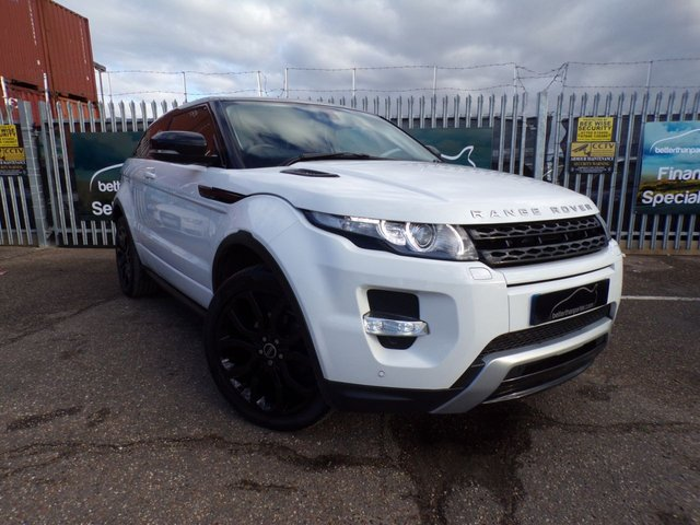 2012 12 LAND ROVER RANGE ROVER EVOQUE 2.0 SI4 DYNAMIC 3d PETROL AUTOMATIC SAT NAV RED LEATHER 240 BHP