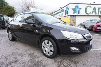 2010 VAUXHALL ASTRA 1.6 EXCLUSIV 5 DR ( 60,000 MILES & 7 STAMPS ) £3989.00