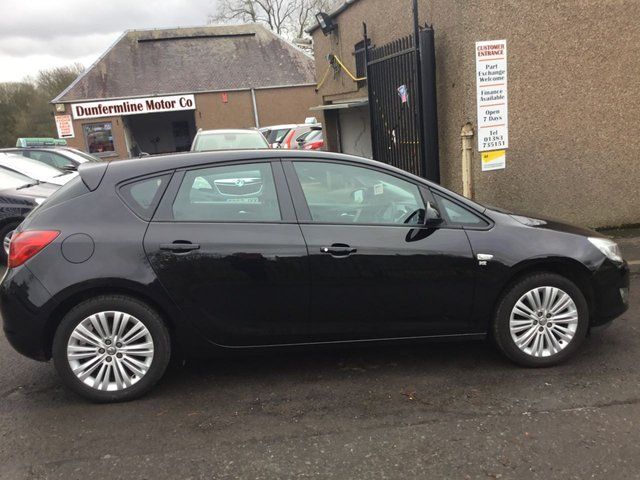 USED 2011 61 VAUXHALL ASTRA 1.4 EXCITE 5d 98 BHP ++LOW MILEAGE CAR COMES WITH A 12 MONTHS AA BREAKDOWN COVER++