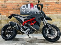 USED 2015 15 DUCATI HYPERMOTARD 821 Rare colour scheme