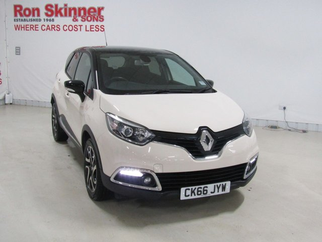 View our 2016 66 RENAULT CAPTUR 1.5 DYNAMIQUE S NAV DCI 5d 90 BHP with Black Roof
